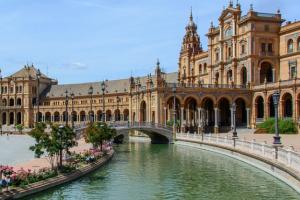 Hacer negocios en Sevilla en el mes de abril